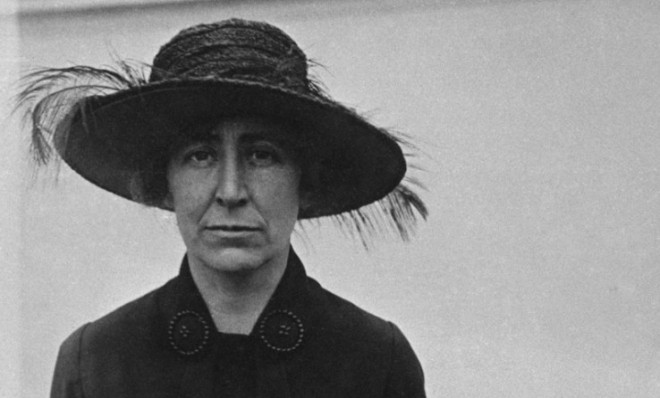 jeannette rankin Barely a month later, jeannette rankin of montana shortly became one of the few representatives to vote against entry into world war i, a stand that contributed to her defeat when she ran for the senate in 1918.